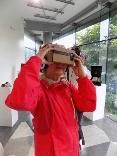 Viewing VR